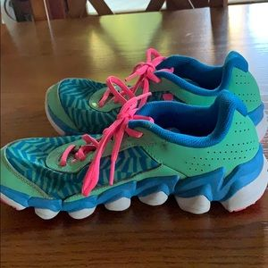 Under Armour Shoes - Size 6 Youth Under Armour tennis shoes